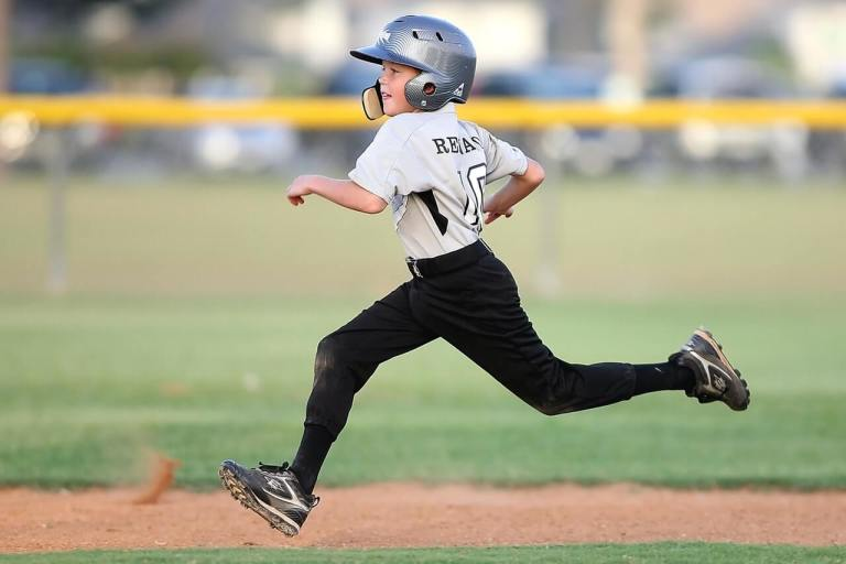baseball-player-running-sport-163239 (1).jpeg